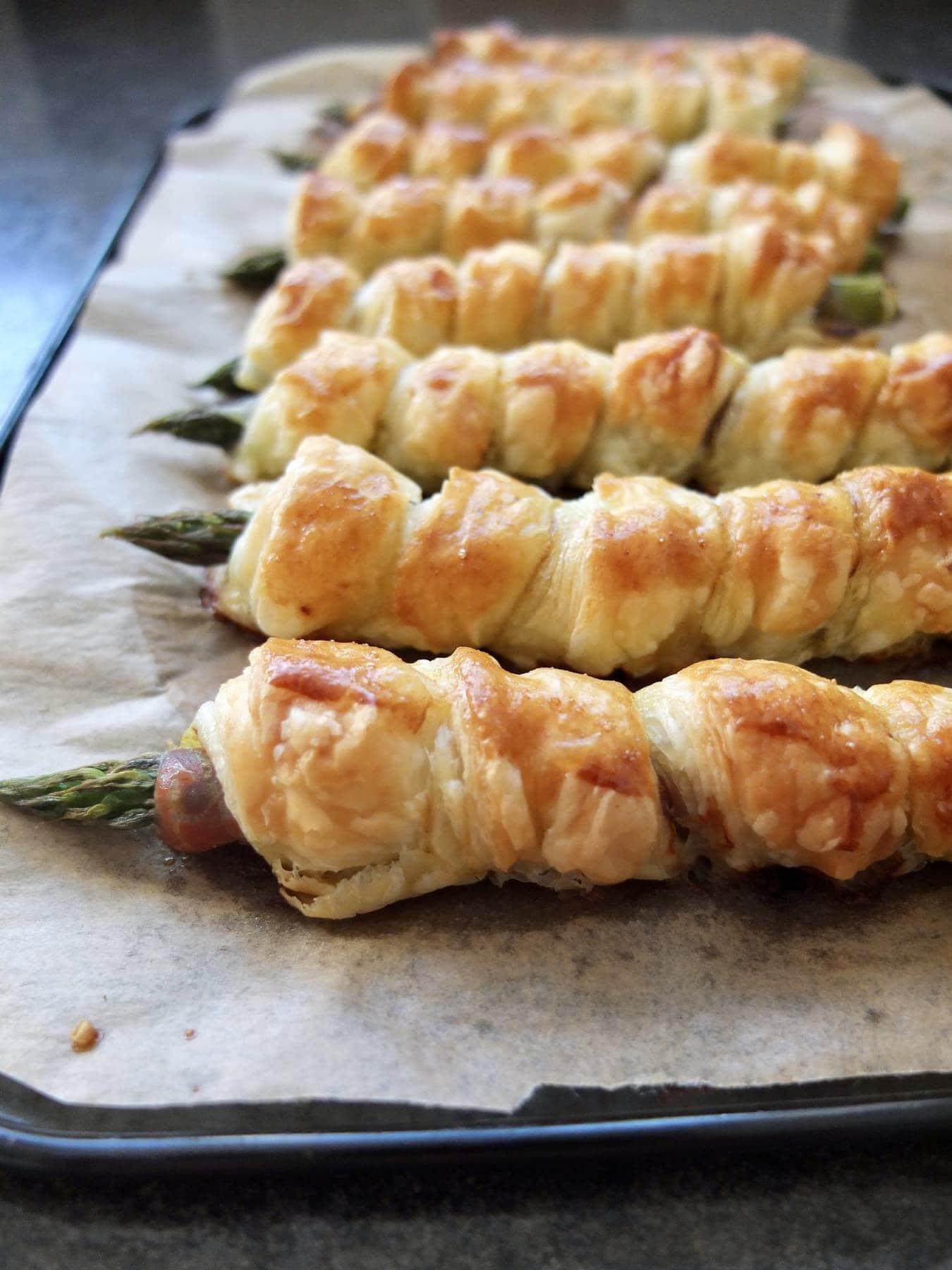 Asparagus and Parma Ham Twists with Pesto