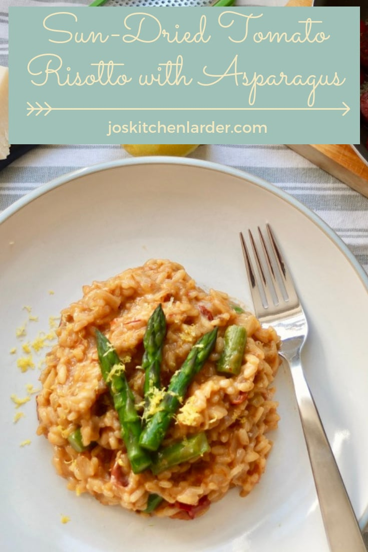 Delicious Sun-Dried Tomato Risotto with Asparagus makes wonderful seasonal dinner ready in 30 minutes. You\'ll love this marriage of two distinct flavours. Keep it veggie or add some pan fried chorizo slices for that extra something! #risotto #sundriedtomatorisotto #sundriedtomatoes #asparagus #veggiedinner #30minutemeal