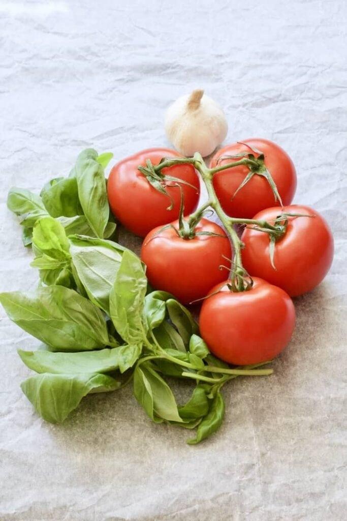 Vine tomatoes, basil & garlic.
